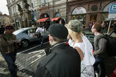 Exkluzivní fotografie Paris Hilton v Praze
